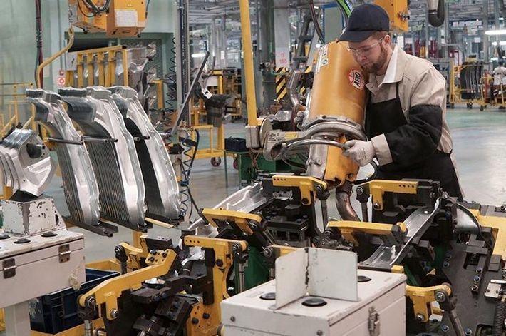 «АвтоВАЗ» приостанавливает производство в Тольятти и Ижевске 1