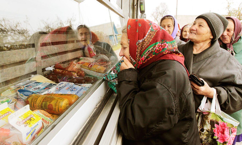 «Мы будто вернулись в 90-е». В российских регионах начали продавать еду в долг 1