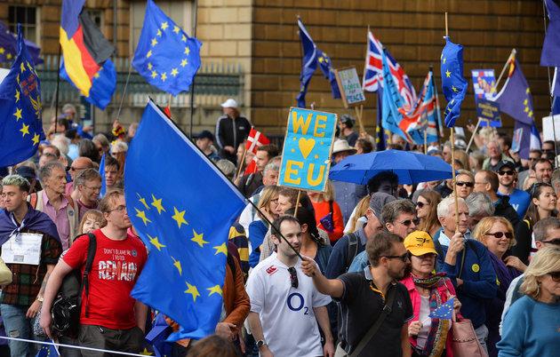 The Guardian: ЕС разрешил Британии отменить Brexit, но согласится ли на это парламент? 1