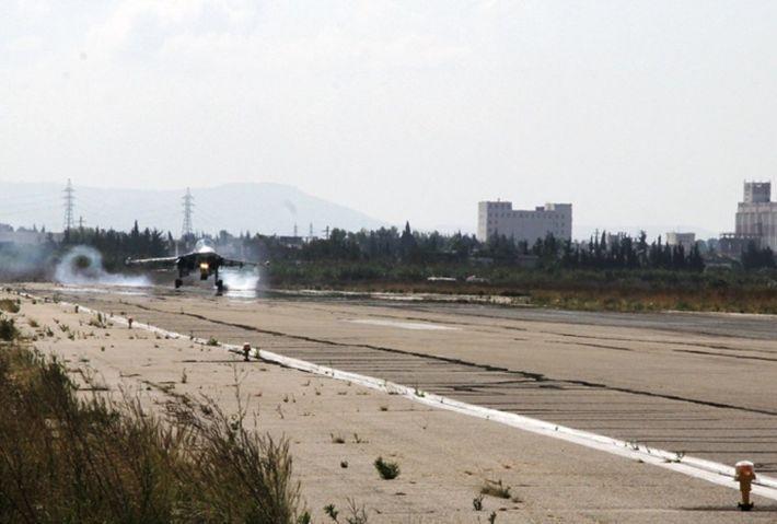 Боевики ударили реактивными снарядами по авиабазе Хмеймим 1