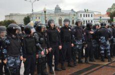 Эксперт поведал, как западные СМИ освещают незаконные митинги в России