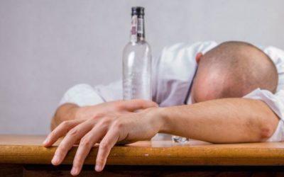 Медики сказали, какие продукты помогают облегчить похмелье