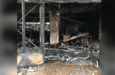 Мощный пожар уничтожил рынок под Парижем