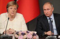 """На Украине поведали, что Путин и Меркель преподали Зеленскому """"твердый урок"""""""