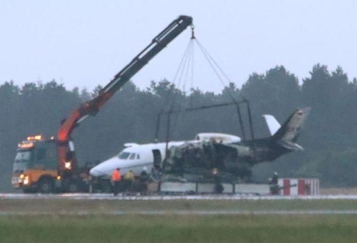 В Дании во время посадки загорелся самолет с командой певицы Pink 1