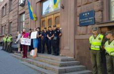 В Киеве допрашивают Порошенко