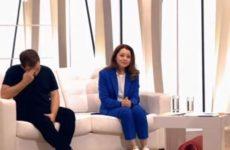 Звезда «СашаТаня» разрыдалась, рассказывая о болезни партнера по сериалу