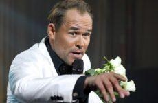 Актёр Максим Аверин устроил пьяный дебош в самолете