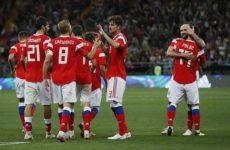 Российская сборная по футболу поднялась в рейтинге ФИФА