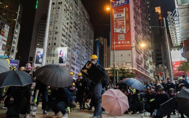 Власти Гонконга решили пойти на уступки протестующим 1