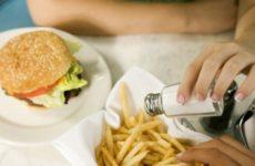 Врачи узнали, как на самом деле влияет соль на здоровье