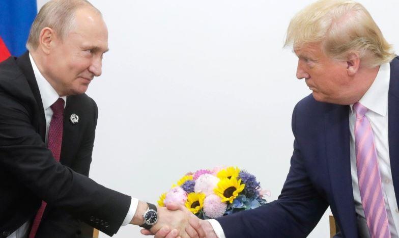 Американские журналисты уличили Трампа в «заискивании» перед Путиным 1