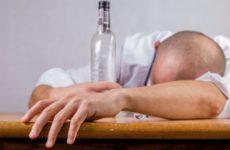 Медики огласили продукты, которые помогут избавиться от похмелья