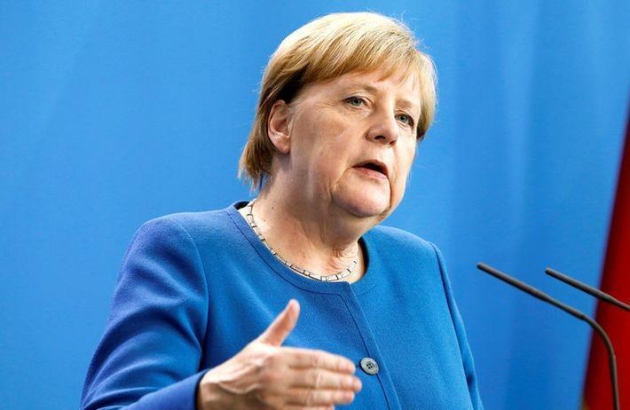 Меркель призвала Эрдогана прекратить операцию в Сирии 1
