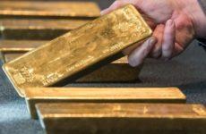 РФ может обрушить доллар США с помощью золотого маневра