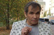 Сестра Алибасова посетовала на жадность «сказочно богатого» брата
