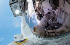 Стартовал первый в истории выход двух женщин в открытый космос