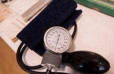 Ученый рассказал, как бороться с повышенным давлением без лекарств