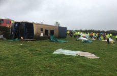 В Англии перевернулся двухэтажный пассажирский  автобус, есть пострадавшие