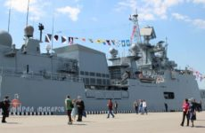 Визит российского фрегата «Адмирал Макаров» спровоцировал ажиотаж в Греции