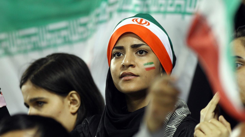 Впервые в истории Ирана женщины прокомментируют футбольный матч 1