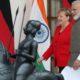 Bild: курьёзные соглашения — Германия поможет Индии с футболом в обмен на йогу