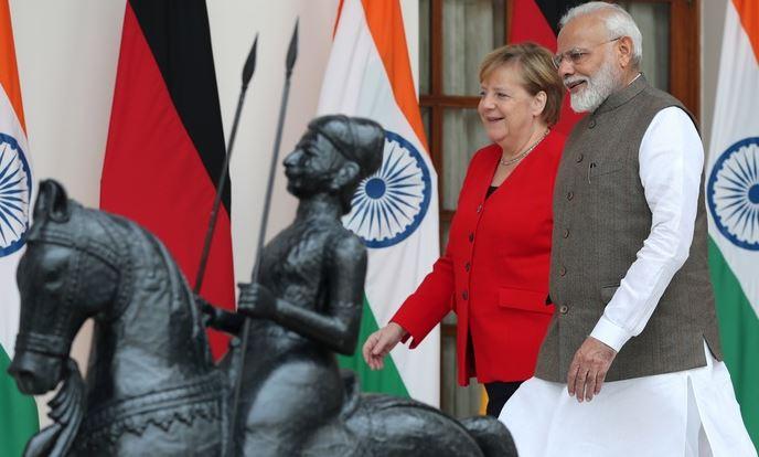 Bild: курьёзные соглашения — Германия поможет Индии с футболом в обмен на йогу 1