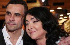 Бывший муж Лолиты посетовал на взлом страниц в соцсетях