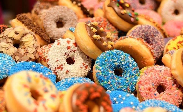 Диетолог озвучила самые вредные сладости 1