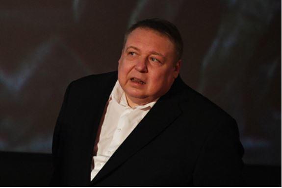 Сильно похудевший актер Александр Семчев оказался в больнице в тяжелом состоянии 1