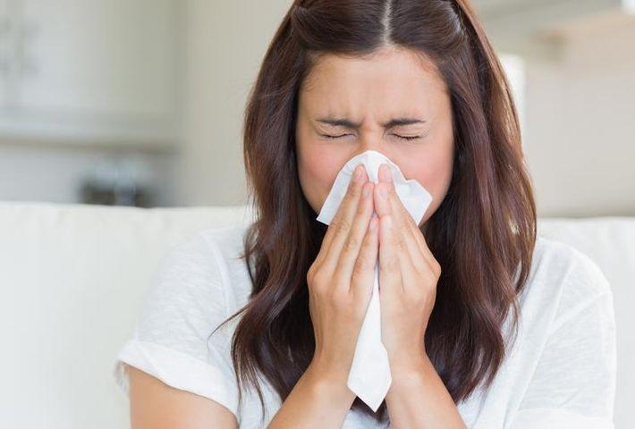 Врач перечислила основные ошибки при лечении насморка 1