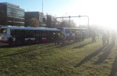 30 человек пострадали при столкновении двух автобусов в Праге