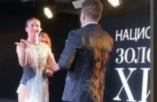 Бузова оконфузилась перед Лещенко на премии канала Music Box