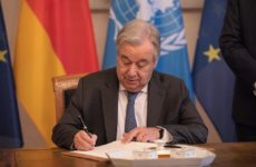 Генсек ООН ответил на обвинения в попустительстве визовому саботажу США