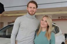 Певица Пелагея разводится с мужем-хоккеистом