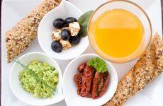 Ученые назвали предотвращающий опасные заболевания утренний напиток
