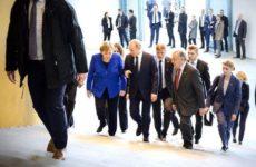 Меркель и Генсек ООН пообщались с Путиным на русском