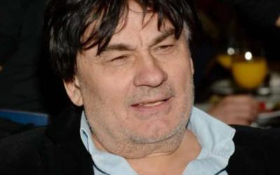 Александру Серову в перестрелке прострелили ногу