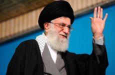 «Без колебаний нанесем удар»: глава Ирана отреагировал на угрозы Трампа