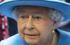 Елизавета II впервые появилась на публике после отречения принца Гарри