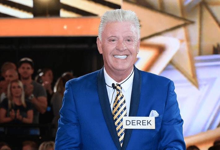 Известный телеведущий Дерек Акора умер из-за гриппа 1