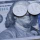 Курс рубля понизился после новогоднего роста