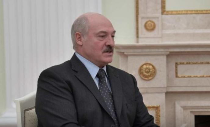 """""""Отвечал грубо"""": Лукашенко решил уйти от вопросов после антироссийской выходки 1"""