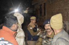 В Индии мужчина взял в заложники около 20 приглашенных на день рождения детей