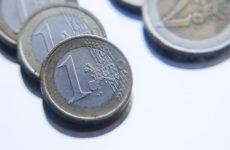 Курс евро впервые за год достиг 75 рублей