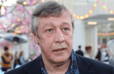 В петербургском Пулково пьяного Михаила Ефремова не пустили в самолет