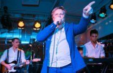 Виктора Салтыкова освистали зрители из-за опоздания на концерт в Брянске