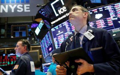Торги на бирже в Нью-Йорке остановились после обвала