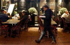 С 15 марта Франция закрывает рестораны, кинотеатры и ночные клубы