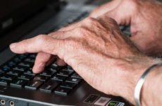 Эпидемия коронавируса спровоцировала дефицит ноутбуков в США